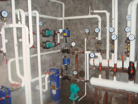 Термоизоляционная краска на водопроводе