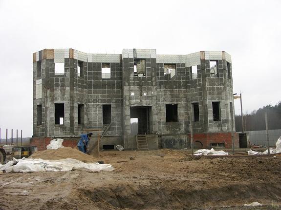 Возведение здания из фибропенобетона