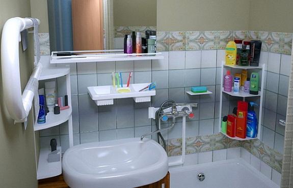 Полочка в ванную своими руками – из стекла, металла или дерева? Видео